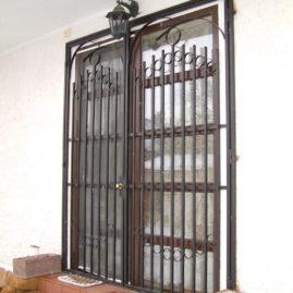 Mřížové dveře